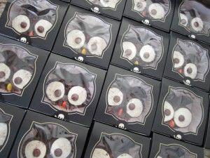 How to Decorate Owl Cupcakes usin #oreos | spotofteadesigns.com