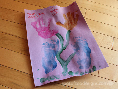 Handprint Mother's Day Card | spotofteadesigns.com