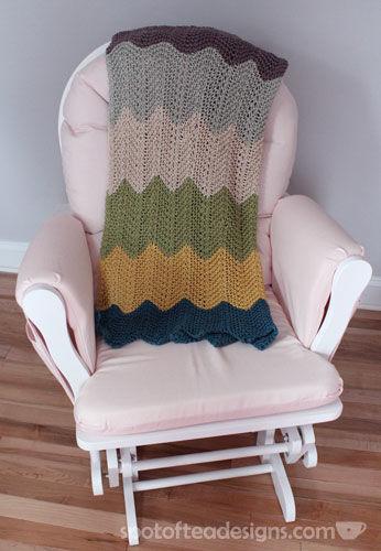 Knit Handmade Baby Blanket | spotofteadesigns.com