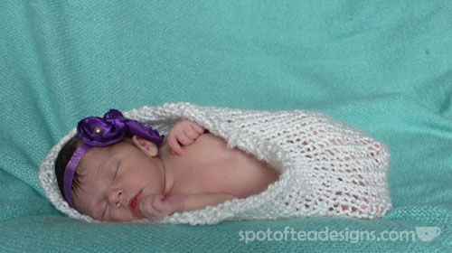 Handmade Knit Pod for newborn photo shoots { spotofteadesigns.com