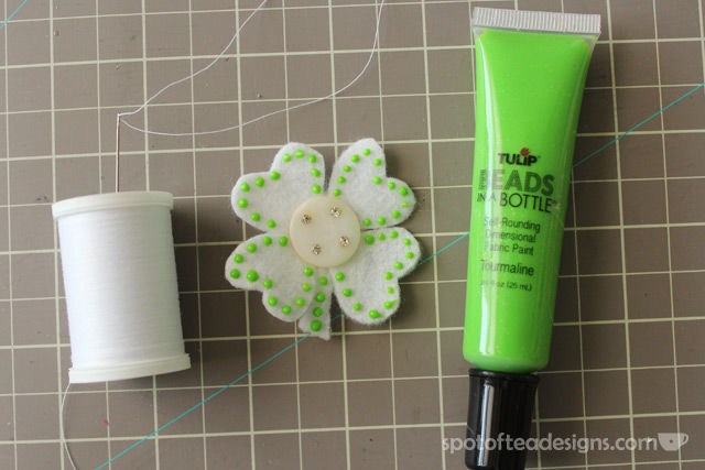 St. Patrick's Day Baby Shamrock headband tutorial | spotofteadesigns.com