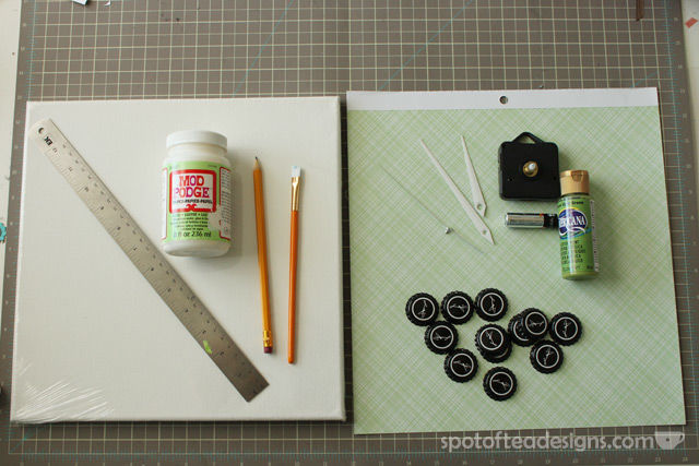 How to make a beer cap clock - perfect #fathersday gift! #diy | spotofteadesigns.com