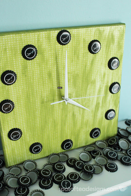 Beer Cap Clock Tutorial | spotofteadesigns.com