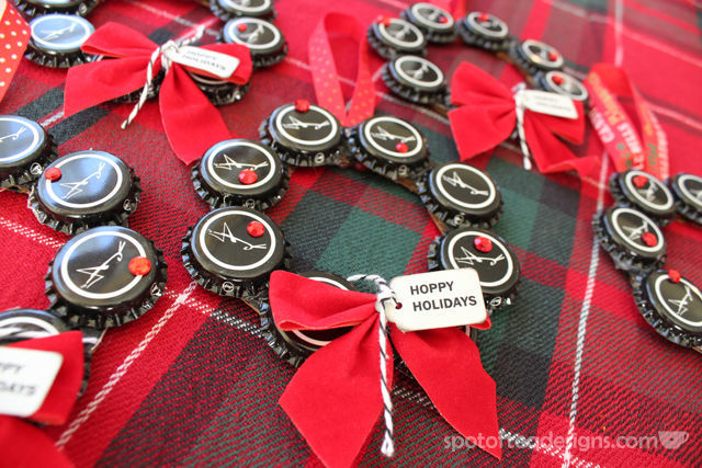 Bottle Cap Christmas Ornament Wreath #gift #christmas #ornament | spotofteadesigns.com