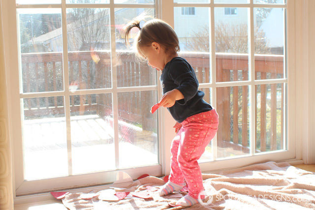 Valentine's Day Window Play for #toddlers. Cheap and easy! | spotofteadesigns.com