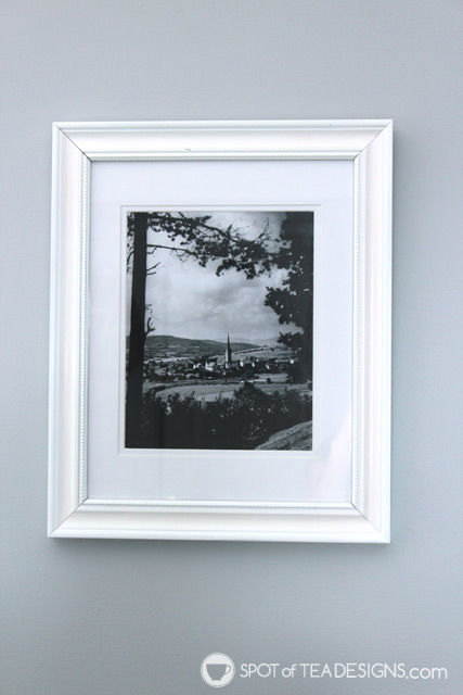Picture frame #Makeover with before and after photos | spotofteadesigns.com