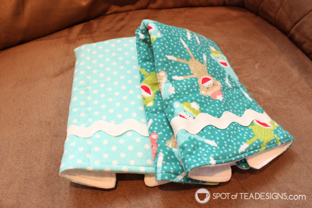 Handmade baby burp cloths - extra absorbant with cloth diaper material and non slip flannel pattern cover | spotofteadesigns.com