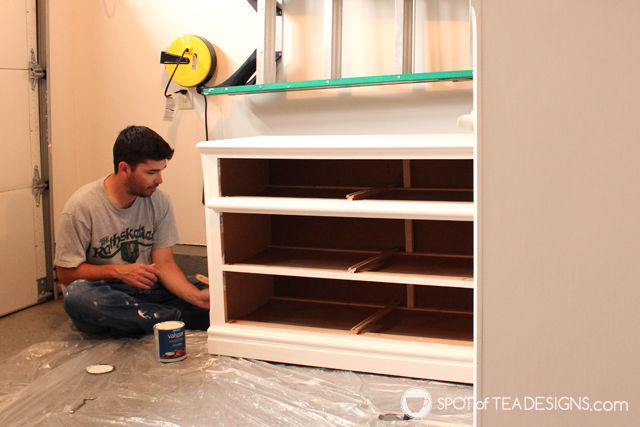 #Nursery Furniture Makeover - @Valspar_Paint paint| spotofteadesigns.com