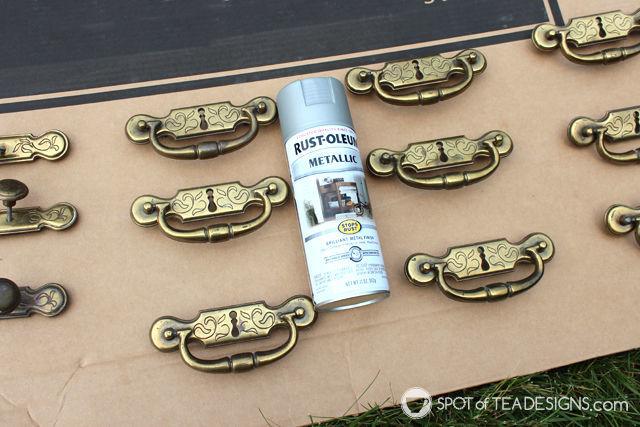#Nursery Furniture Makeover featuring @Rustoleum spray paint for hardware| spotofteadesigns.com