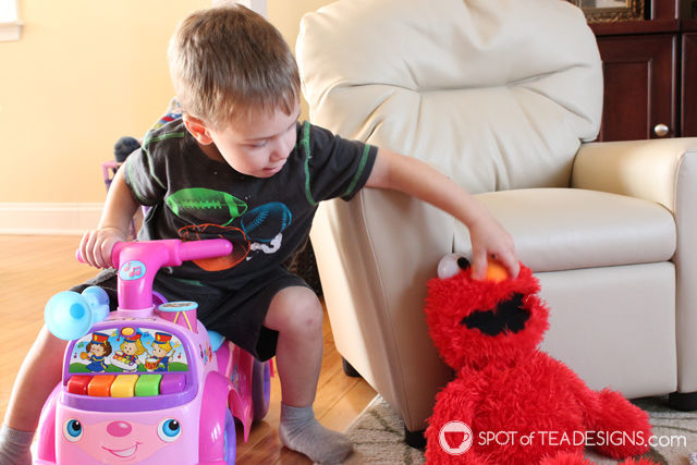 Our Playdate with Elmo. #PlayAllDayElmo #IC #Ad @HasbroNews | Spotofteadesigns.com