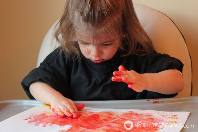 Finger Paint #KidsCraft - cupcake birthday card | spotofteadesigns.com