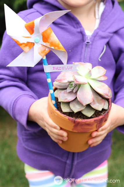 Mother's Day Kids Craft: Painted Pots