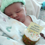 New Baby Welcome Idea: Birth Day Cupcakes plus free printable