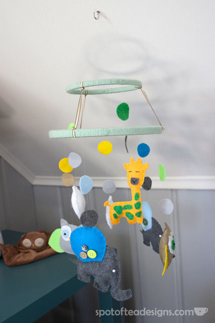Handmade Animal Mobile for Gender Neutral Modern Animal #Nursery | spotofteadesigns.com