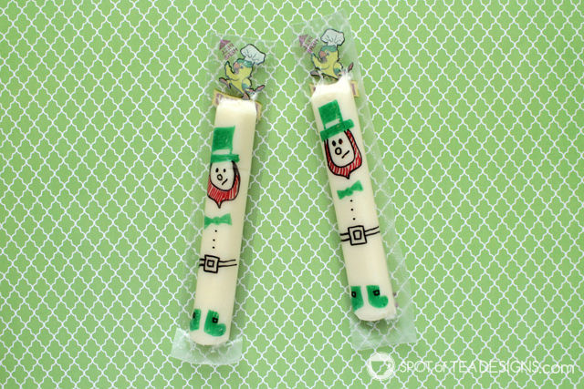 Cute string cheese snack ideas for school lunches and holiday parties - st patricks day lephrechauns | spotofteadesigns.com