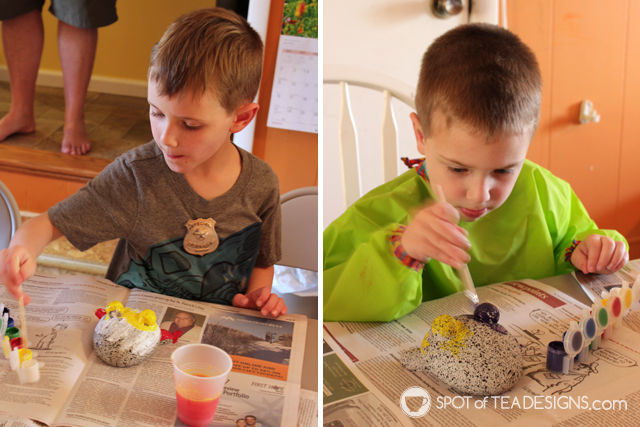 Mothers Day Activity - painting rock pet garden stones | spotofteadesigns.com