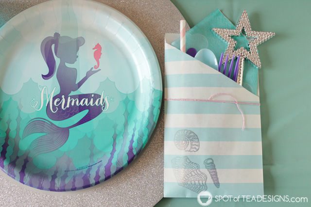 Mermaid Party Utensil Pouch Craft - hold all the silverware, straw and napkin in a cutely decorate pouch! | spotofteadesigns.com