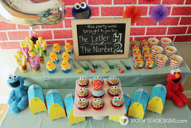Sesame Street Party printables - food table overhead | spotofteadesigns.com