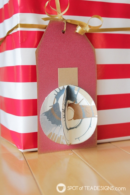 Spin art Christmas gift tags - a great way to get kids involved in holiday wrapping! | spotofteadesigns.com