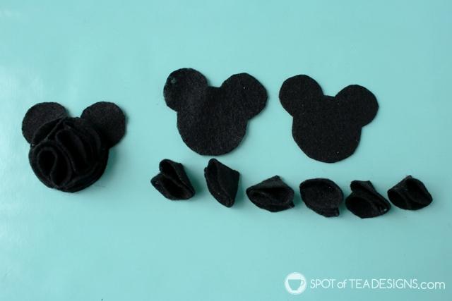 Felt Mickey Mouse headband tutorial | spotofteadesigns.com