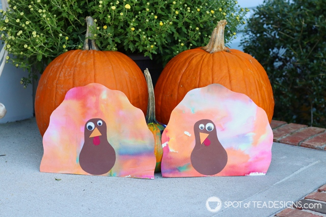 Thanksgiving Kids Craft: Bleeding Tissue Paper Turkey | Spotofteadesigns.com